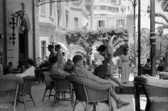 George Rodger EGYPT. Cairo. W.W. II. Servicemen relax on the Hotel Shepheards terrace. 1941