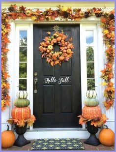 Prepare for Halloween and Thanksgiving with our fall embellishing concepts. Beautify the indoors with pumpkin-themed projects or complete a ... #diyho... Porche Halloween, Fall Halloween, Cheap Halloween, Outdoor Halloween, Scary Halloween, Classy Halloween, Disneyland Halloween, Halloween Signs, Vintage Halloween