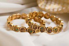 #goldjewelleryawesome 18k Gold Jewelry, White Gold Jewelry, Antique Jewelry, Jewelry Necklaces, Gold Necklace, Jewelry Art, Gold Earrings, Diamond Jewelry, Gold Bangles Design