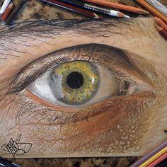 Impresionante hiperrealismo de ojos hechos con lápiz de color