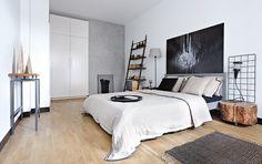 49-metrowe mieszkanie Ignacego na warszawskiej Pradze - kupili mu je i urządzili rodzice. Zobaczcie