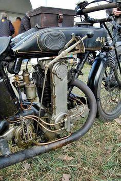 New Bonneville Scrambler Ajs Motorcycles, Antique Motorcycles, American Motorcycles, Triumph Scrambler, Scrambler Motorcycle, Triumph Bonneville, Vintage Cycles, Vintage Bikes, Chopper
