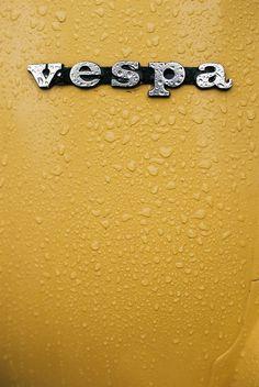 https://flic.kr/p/96q5Ep | Vespa in UK | Vespa in the rain.