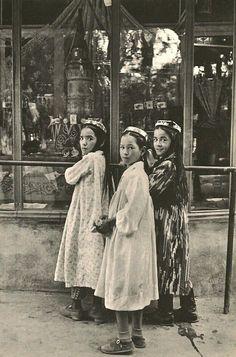 Cartier-Bresson - Margelane, Uzbekistan 1954