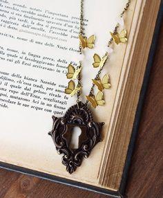 Key to a Fantasy world - Butterfly Lock keyhole alice in wonderland