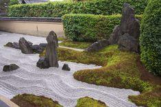 Organic Gardening Magazine Back Issues Japanese Garden Style, Japanese Garden Landscape, Mini Zen Garden, Japan Landscape, Landscape Design, Garden Design, Japanese Gardens, Organic Gardening Magazine, Japan Garden