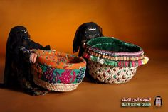 سلال من السعف مزينة بدمية بالزي التقليدي Traditional Baskets, Laundry Basket, Art Work, Wicker, Weddings, Home Decor, Artwork, Work Of Art, Decoration Home