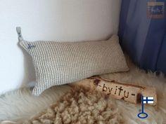 Anna-Arkityyny - by itu - pieni saunahattukauppa Koivukujalla Itu, Bed Pillows, Pillow Cases, Anna, Design, Pillows