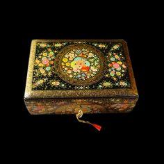 Multi-coloured paper mache jewellery box. Pre-register on www.tjori.com to discover unique Indian designs.