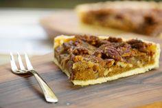 Une tarte très connue aux Etats-unis, surtout pendant la fête de Thanksgiving. Recette très facile et excellente ! Pâte brisée maison : pecan pie