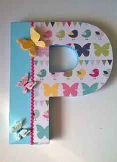 Letras decoradas. Altered letter. Scrapbook - Scrap Stick Letters, Cute Letters, Diy Letters, Letter A Crafts, Painted Letters, Wood Letters, Decorated Letters, Letters Decoration, Wooden Monogram