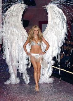 Victorias Secret Fashion Show 2005 – Various Runway & Backstage part 1