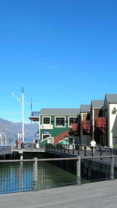 Queenstown-Pier-South-Island-New-Zealand