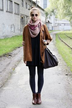 baggy coat, large purse, ankle boots, and circle scarf