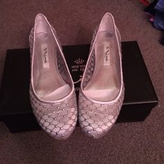 Silver jeweled flats Silver flats with little jewel details and see through material. Brand new never worn. Come with box. Nina new york Shoes Flats & Loafers