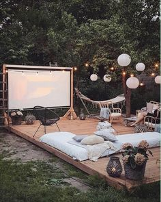 Backyard patio, outdoor gardens, backyard movie, outdoor patios, backyard i Outdoor Spaces, Outdoor Living, Outdoor Decor, Rooftop Decor, Outdoor Bedroom, Outdoor Cafe, Outdoor Restaurant, Exterior Design, Interior And Exterior