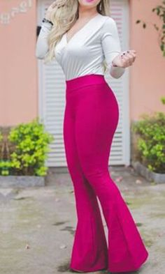 Calça Bandagem na Promo!! Única peça no tamanho G de 139,90 por 69,95... Compre no nosso site http://traposdeluxo.com.br/