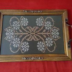 tel kırma tepsi - Google'da Ara Cross Stitch Flowers, Stitch Patterns, Diy And Crafts, Frame, Design, Home Decor, Google, Arkansas, Future
