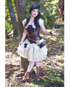 Disney Cosplay Steampunk Snow White Cosplayer Amber Arden (steampunk disney princesses cosplay) - For costume tutorials, clothing guide, fashion inspiration photo gallery, calendar of Steampunk events, Disney Princess Cosplay, Disney Cosplay, Disney Costumes, Epic Cosplay, Cosplay Diy, Disney Steampunk Cosplay, Steampunk Disney Princesses, Disney Dresses, Disney Outfits