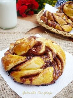 Kakaós csavart csiga Winter Food, French Toast, Deserts, Muffin, Sweets, Bread, Cooking, Breakfast, Emo