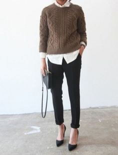 90 Sophisticated Work Attire and Office Outfits for Women to Look Stylish and Chic - Lifestyle State Trajes Business Casual, Business Casual Outfits, Business Attire, Casual Office Attire, Business Chic, Fall Professional Outfits, Business Fashion Professional, Professional Clothing, Legging Outfits