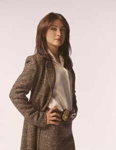 """Season 1 promo pic of Sasha Alexander as Agent Caitlin """"Kate"""" Todd from the first two seasons of NCIS"""