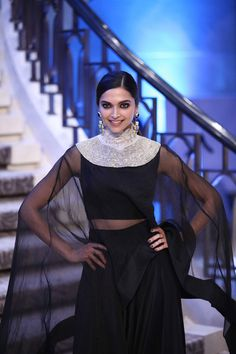 Lakmé Fashion Week – A spectacular Grand Finale by Anamika Khanna brings the season of Lakmé Fashion Week to a close Deepika Padukone ❤️ Lakme Fashion Week 2015, Stylish Suit, Anamika Khanna, Indian Fashion Designers, Indian Couture, Fashion Story, Priyanka Chopra, Deepika Padukone, Bollywood Actress