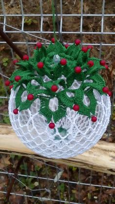 Zainab Ashour's media content and analytics Crochet Christmas Wreath, Christmas Crochet Patterns, Holiday Crochet, Crochet Gifts, Christmas Love, Christmas Baubles, Christmas Angels, Holiday Ornaments, Christmas Decorations
