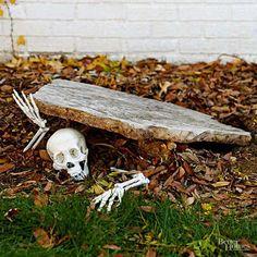 Halloween Skeleton Decorations, Halloween Party Decor, Scary Halloween, Halloween 2020, Happy Halloween, Homemade Halloween, Halloween Garden Ideas, Halloween Makeup, Diy Halloween Decorations For Outside
