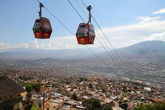 Sistema Metrocable en Medellín. / Fot: Carlos Suescún.