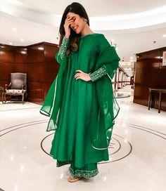 Simple Pakistani Dresses, Pakistani Fashion Casual, Indian Bridal Fashion, Pakistani Bridal Dresses, Indian Fashion Dresses, Pakistani Dress Design, Indian Designer Outfits, Designer Dresses, Fashion Outfits