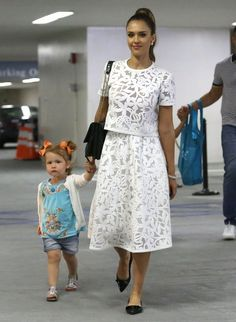 Jessica Alba Photos Photos: Jessica Alba Attends Event With Her Beautiful Family Jessica Alba – Jessica Alba Attends Event With Tight Lace Dress, I Dress, White Dress Outfit, Simple Dresses, Casual Dresses, Summer Dresses, Dresses Dresses, Jessica Alba, Skirt Outfits