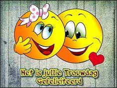 Birthday Wishes, Happy Birthday, Cute Good Morning, Crochet Santa, Art Impressions, Happy Anniversary, Emoticon, Smiley, Tweety