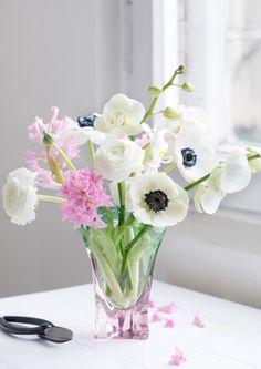 Kun valitset kukkakimpun sen saajan kodin sisustuksen mukaan, onnistut aina ilahduttamaan! Katson Meilläkotona.fin vinkit 8 eri sisustustyylille!