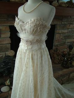 Vintage 1930's wedding dress. i would like to know if this was a designer or if someone made this from scratch....