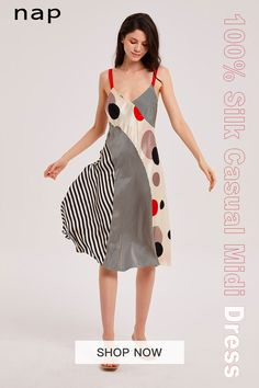 It's cut from lustrous silk that skims your figure but doesn't cling. Match your jewelry to the classic v-shaped neckline. Fashion Show Dresses, Summer Ootd, Fashion Pictures, Hui, To My Daughter, Silk Dress, What To Wear, Pumpkin, Lounge