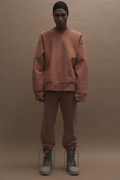 In an unprecedented move, Kanye West staged his Yeezy Season 3 show at Madison Square Garden. Looks from the new collection were unveiled in the midst of a… Kanye West, Fashion Week, Mens Fashion, High Fashion, Yeezy Season 3, Fall Winter 2016, Cover Art, Madison Square Garden, Black Boys