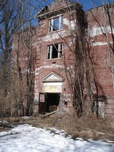Abandoned high school in Lambertville NJ... That would be scary as crap to walk thru