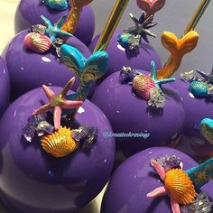 Under the sea candy apples 🐬🐋🐠 Theme Mickey, Cinnamon Candy, Sea Cakes, Safari Decorations, Tea Party Theme, Mermaid Baby Showers, Little Mermaid Parties, Little Girl Birthday, Candy Apples