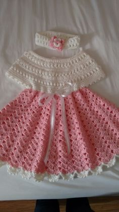 This Pin was discovered by Flz owl dress and purse How to Crochet a Bodycon Dress/Top - Crochet Ideas Crochet Baby Dress Pattern, Baby Girl Crochet, Crochet Baby Clothes, Crochet For Kids, Crochet Patterns, Crochet Stitches, Knit Crochet, Baby Sweaters, Crochet Designs