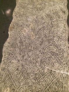 early 1700s Inge Gardner photo Bowes Museum Antique Lace, Bobbin Lace, 18th Century, Museum, Paris, Antiques, Pictures, Collection, Design
