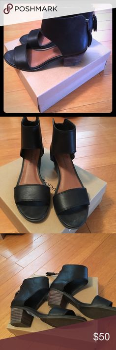 Lucky black leather sandals Worn once-very cute but I have too many black sandals! Lucky Brand Shoes Sandals