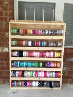 Ribbon holder... Brandon can you make this for me Love?!?!? Please!!!