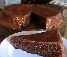 Este delicioso bolo de chocolate é uma verdadeira tentação e creia... é sem farinha! - Aprenda a preparar essa maravilhosa receita de Tentação de chocolate (sem farinha)