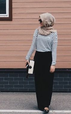 Fashion hijab casual maxi skirts street styles 24 Ideas for 2019 Hijab Casual, Hijab Outfit, Hijab Chic, Islamic Fashion, Muslim Fashion, Modest Fashion, Fashion Outfits, Hijab Fashion Inspiration, Mode Inspiration