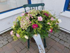 Floral Wreath, Wreaths, Plants, Instagram, Budget, Home Decor, Floral Crown, Decoration Home, Door Wreaths