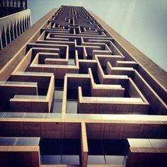 aMAZEing Building