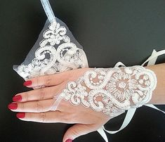 Bridal  Lace Gloves fingerless gloves bridal cuff İvory by ADbrdal, $22.00
