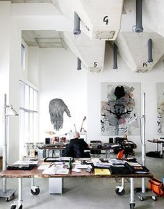 Wonderful idea great way to use a filing cabinet without it looking too industrial love this office space home office/studio Home Studio, Dream Studio, Studio Desk, Studio Spaces, Studio Table, Studio Art, Suppose Design Office, Industrial Interiors, Industrial Workspace