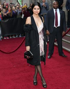 Selena Gomez Disappoints in Rodarte Flapper Dress and Nicholas Kirkwood Sandals at the 2015 Billboard Women in Music Awards